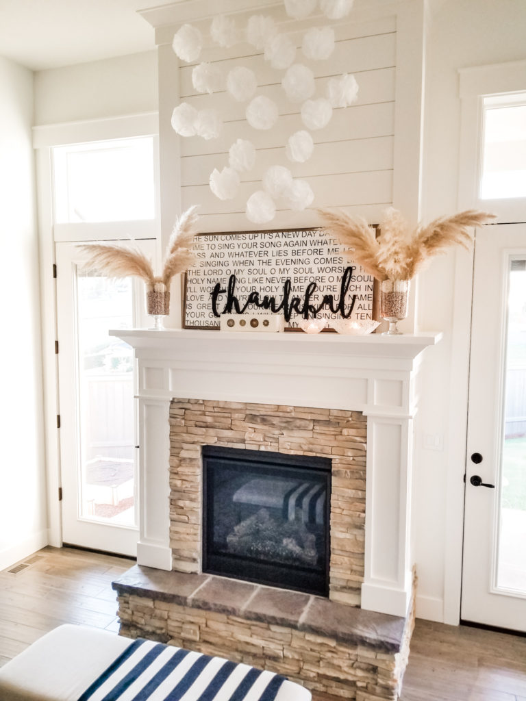 Easy Thanksgiving mantel DIY decor