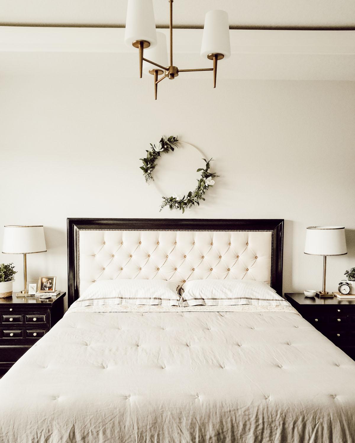 Vintage farmhouse bedroom decorating ideas