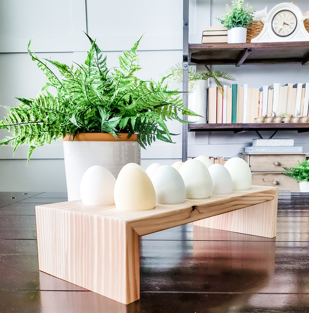 Charming DIY farmhouse egg stand