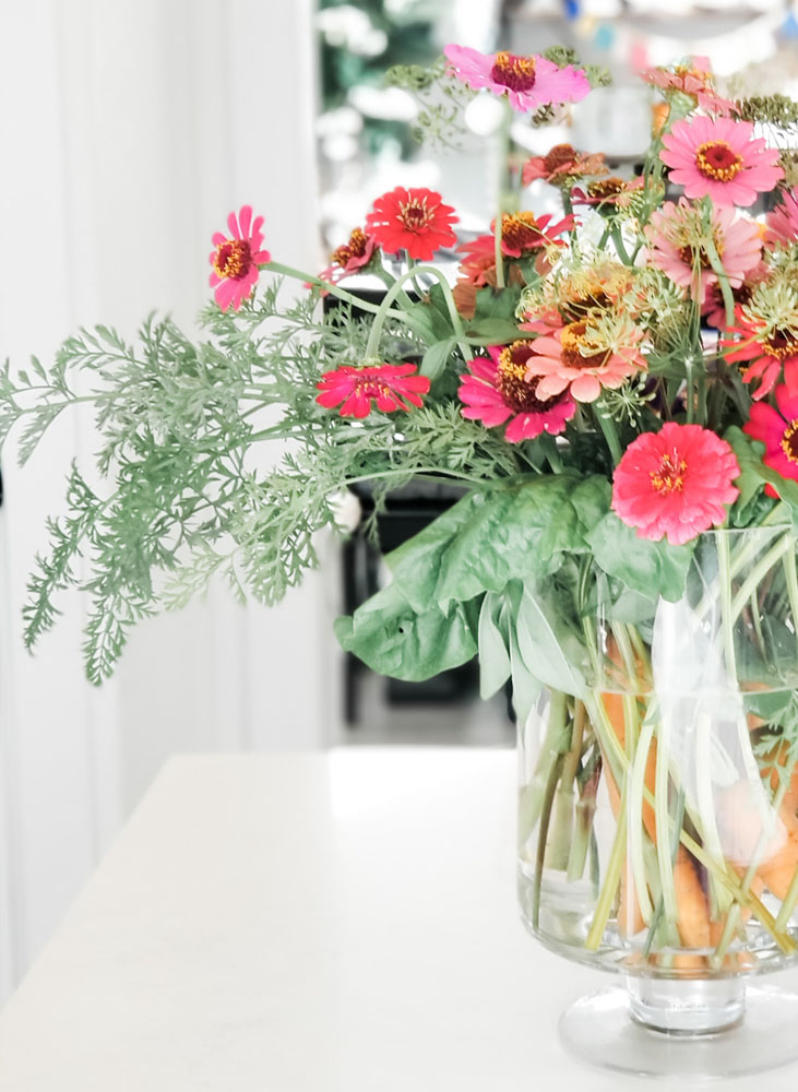 10 Easy arrangements from your own backyard