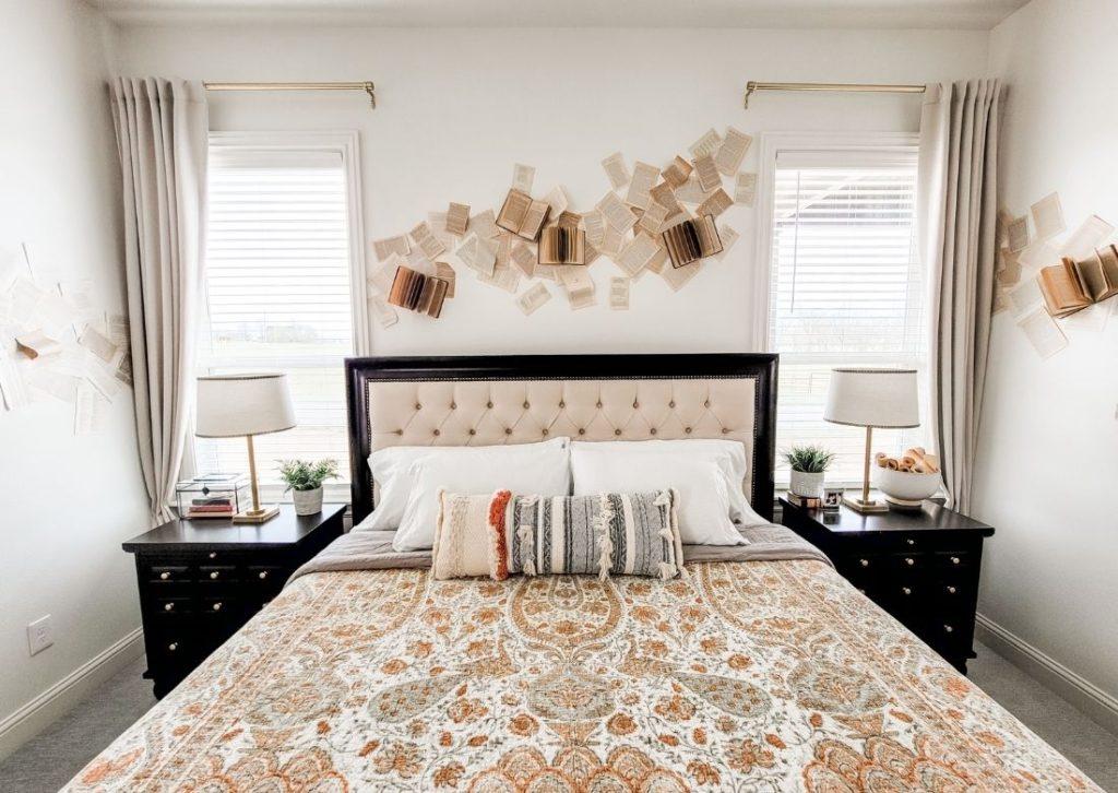 Amazing Bedroom Book Wall
