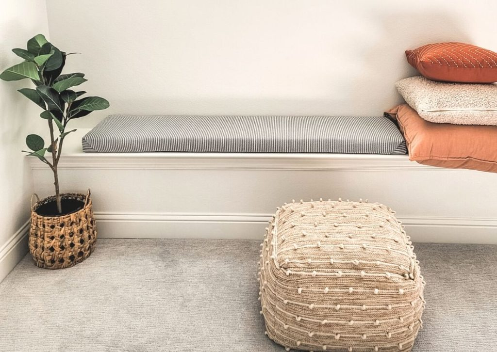 Fabulous DIY No Sew Upholstered Bench Top